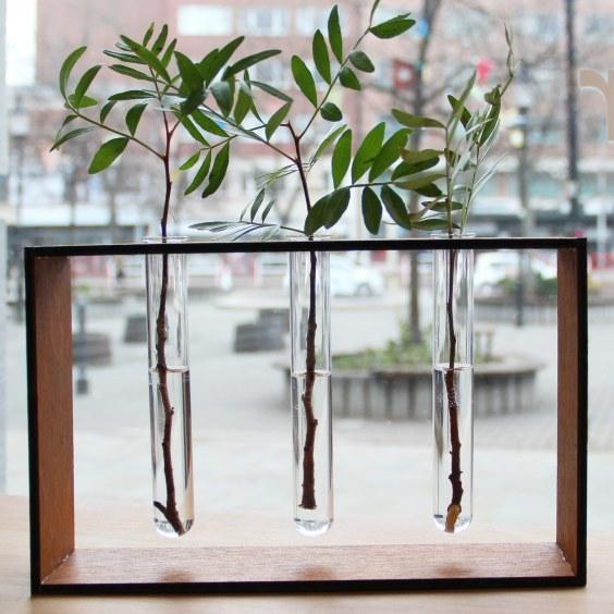 Váza z dreva vyrobená v Labe.